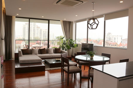 Beautiful 3 Bedrooms Lakeside Serviced Apartment in Westlake