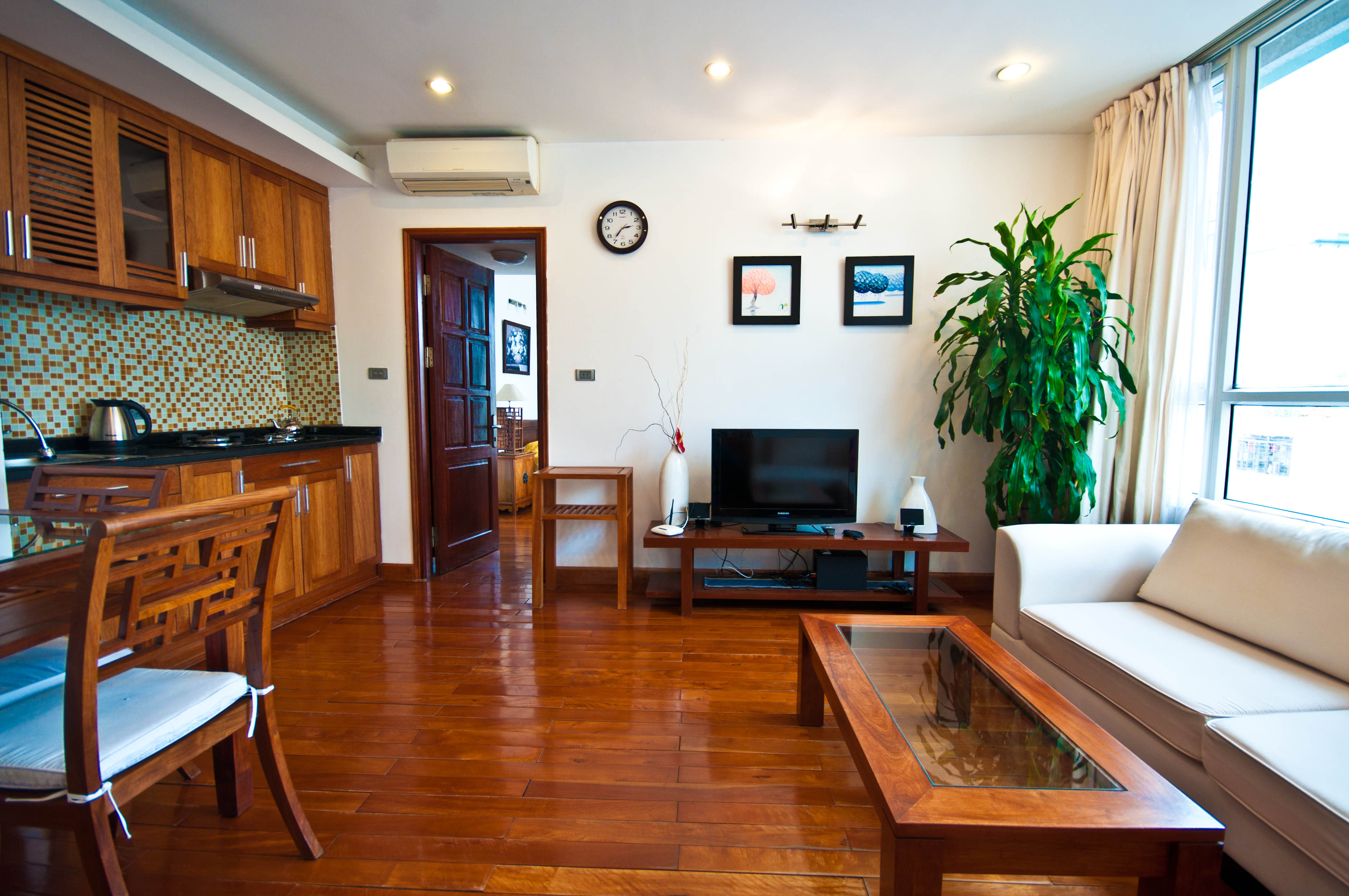 Lovely 1 bedroom apartment in Mac Dinh Chi